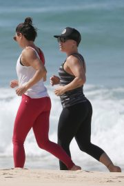 Pink Out Jogging at a Beach in Gold Coast 2018/08/16 2