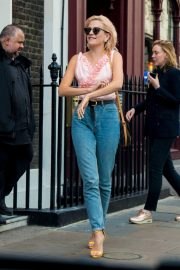 Pixie Lott Out and About in London 2018/08/15 4