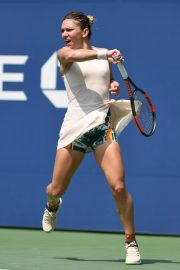 Simona Halep at 2018 US Open Tennis Tournament in New York 2018/08/27 7