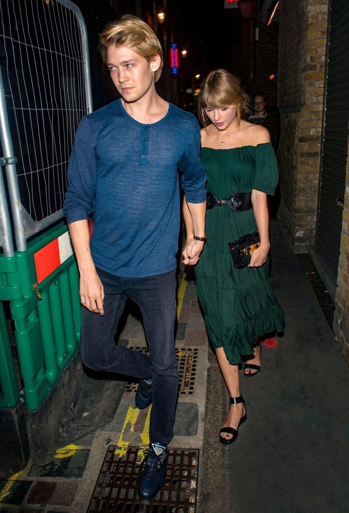 Taylor Swift and Joe Alwyn Night Out in London 2018/08/23 1