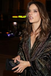Alessandra Ambrosio Arrives at Zadig & Voltaire Fashion Show at PFW in Paris 2018/09/29 4