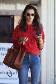 Alessandra Ambrosio at a Skincare Clinic in Los Angeles 2018/09/18 1