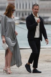 Anne Hathaway and Adam Shulman Out in Venice 2018/09/01 2
