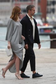 Anne Hathaway and Adam Shulman Out in Venice 2018/09/01 5