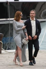 Anne Hathaway and Adam Shulman Out in Venice 2018/09/01 7