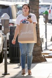 Ariel Winter Out Shopping in Beverly Hills 2018/09/27 3