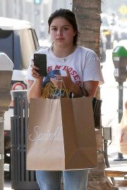 Ariel Winter Out Shopping in Beverly Hills 2018/09/27 7