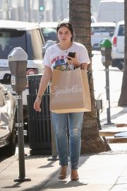Ariel Winter Out Shopping in Beverly Hills 2018/09/27 8