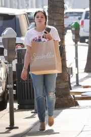 Ariel Winter Out Shopping in Beverly Hills 2018/09/27 9