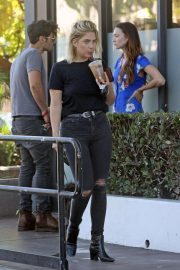 Ashley Benson Out for Coffee in West Hollywood 2018/09/18 3
