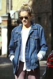 Ashley Roberts Out for Lunch in London 2018/09/25 1