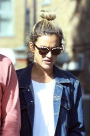 Ashley Roberts Out for Lunch in London 2018/09/25 5