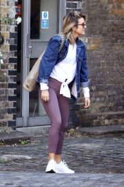 Ashley Roberts Out for Lunch in London 2018/09/25 9
