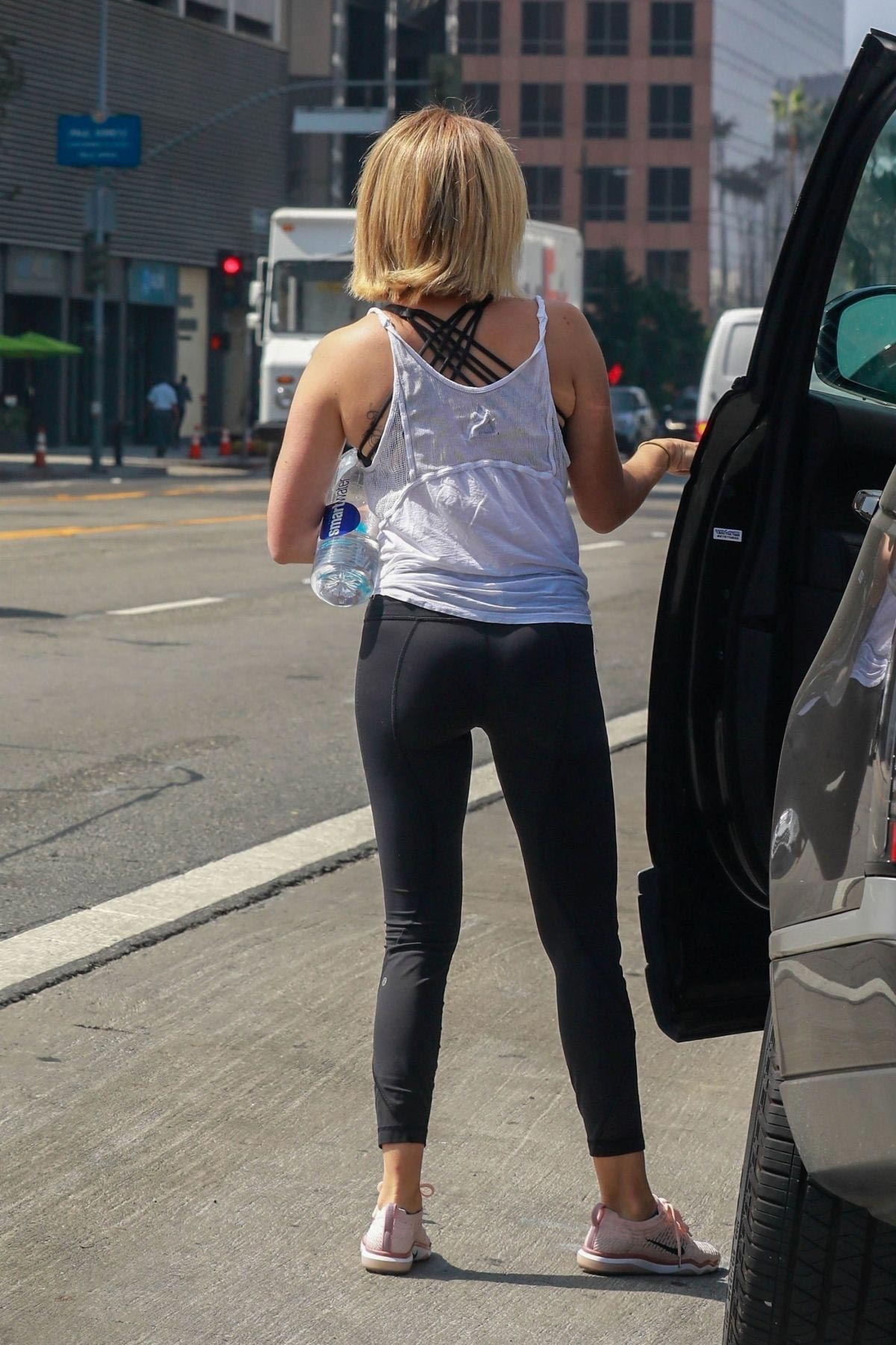 Ashley Tisdale Leaves a Gym in Los Angeles 2018/09/28 1