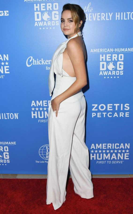 Bailee Madison at American Humane Dog Awards in Los Angeles 2018/09/29 1