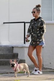 Caroline Flack Out with Her Dog in London 2018/09/03 7