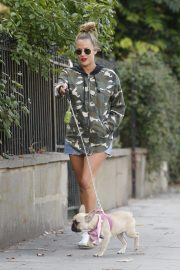 Caroline Flack Out with Her Dog in London 2018/09/03 9