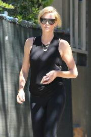 Charlize Theron Out and About in Los Angeles 2018/09/14 3