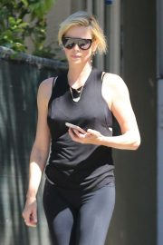 Charlize Theron Out and About in Los Angeles 2018/09/14 7