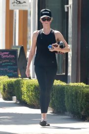 Charlize Theron Out in West Hollywood 2018/09/22 5