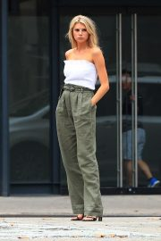 Charlotte McKinney on the Set of a Photoshoot in New York 2018/09/13 1