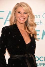 Christie Brinkley at Ovarian Cancer Research Fund Alliance in New York 2018/09/27 3