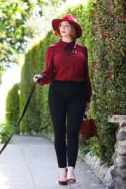 Christina Hendricks Out with Her Dog in Los Angeles 2018/09/04 2
