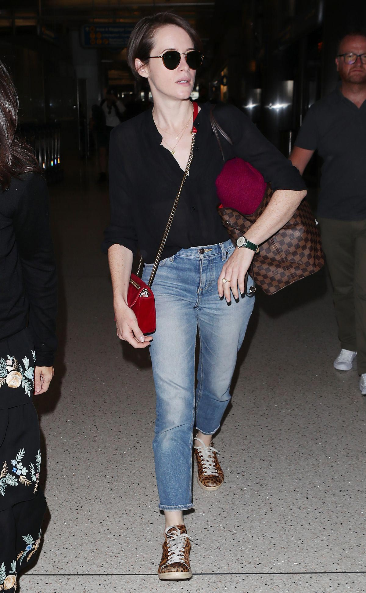 Claire Foy at Los Angeles International Airport 2018/09/19 1