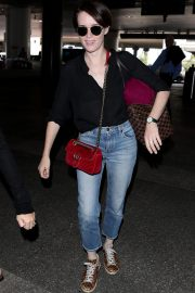 Claire Foy at Los Angeles International Airport 2018/09/19 5