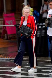 Dakota Fanning Out and About in New York 2018/09/12 1