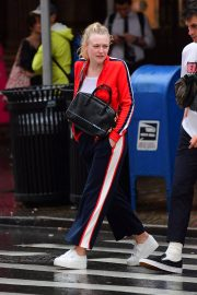 Dakota Fanning Out and About in New York 2018/09/12 5