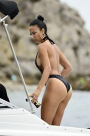 Draya Michele in Swimsuit at a Boat in Newport Beach 2018/09/06 7