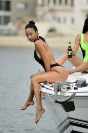 Draya Michele in Swimsuit at a Boat in Newport Beach 2018/09/06 14