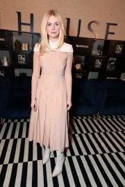 Elle Fanning at Coffee with Creators at TIFF in Toronto 2018/09/08 4