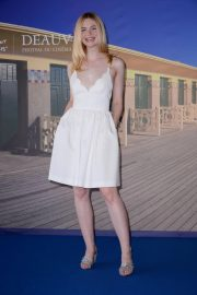 Elle Fanning at Galveston Photocall at Deauville American Film Festival 2018/09/01 2