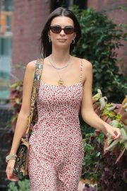 Emily Ratajkowski Out and About in New York 2018/08/31 10