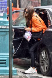 Emily Ratajkowski Out for Lunch with Friend in New York 2018/09/10 4