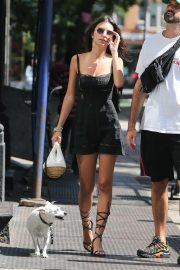 Emily Ratajkowski Out with Her Dog in New York 2018/09/04 9