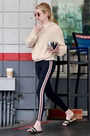 Emma Roberts a a Gas Station in Beverly Hills 2018/09/05 3