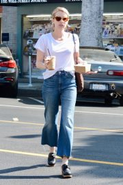 Emma Roberts Out for Morning Coffee in Los Angeles 2018/09/07 8