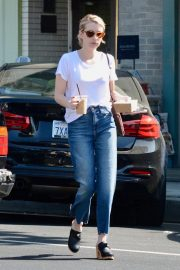 Emma Roberts Out for Morning Coffee in Los Angeles 2018/09/07 9