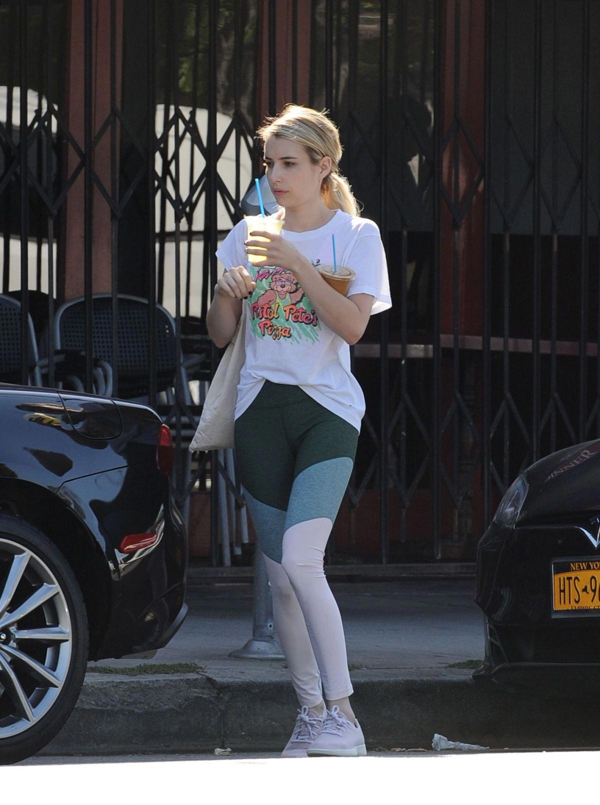 Emma Roberts Out in Los Angeles 2018/09/19 1
