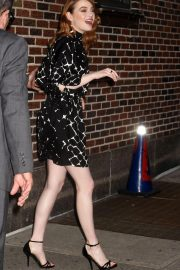 Emma Stone Leaves Late Show With Stephen Colbert in New York 2018/09/19 3