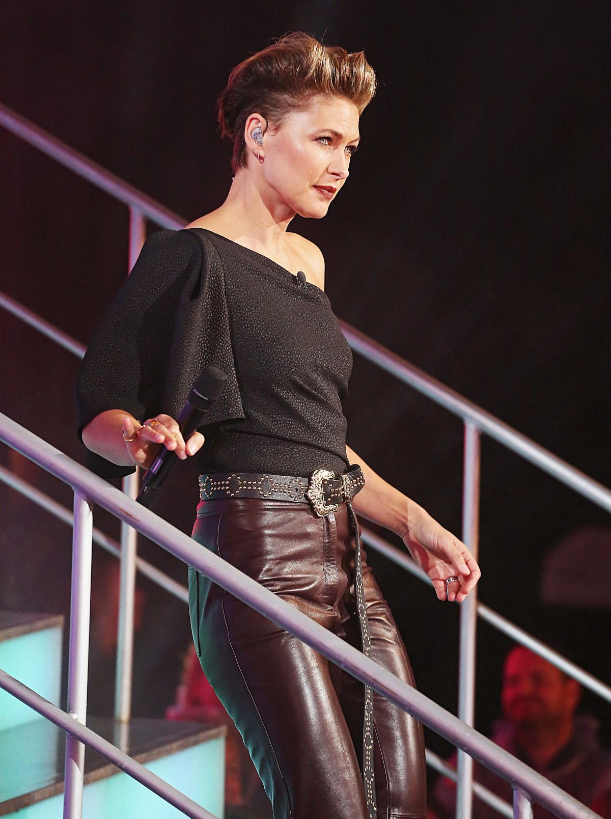 Emma Willis at Celebrity Big Brother Eviction Show in Borehamwood 2018/08/24 1