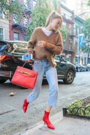 Gigi Hadid Arrives at Her Apartment in New York 2018/09/02 3