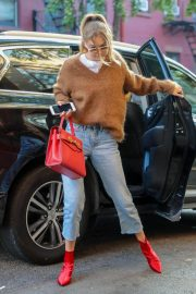 Gigi Hadid Arrives at Her Apartment in New York 2018/09/02 4