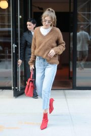 Gigi Hadid Arrives at Her Apartment in New York 2018/09/02 7