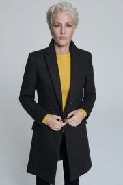 Gillian Anderson at Foe Winser London Collection 2018 7