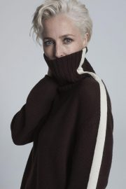 Gillian Anderson at Foe Winser London Collection 2018 14