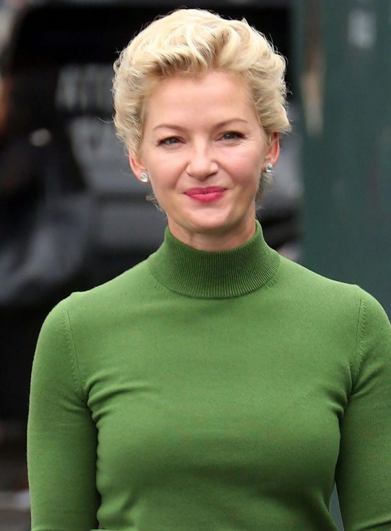 Gretchen Mol Out at New York Fashion Week 2018/09/12 1